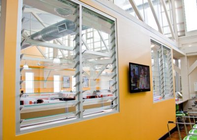The tight sealing of Altair Louvres on internal walls means conversations can remain private.