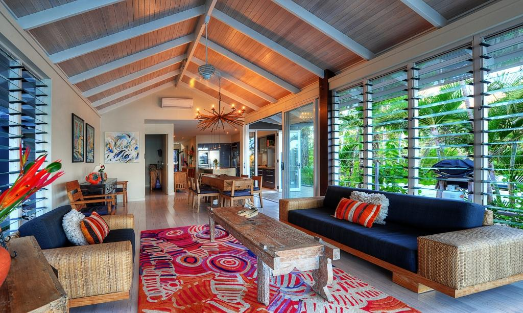 water front home australia with breezway