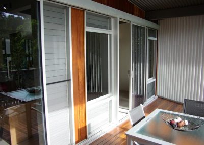 louvres_with_screen