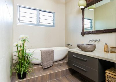 Breezway Louvres allow steam to escape in the bathroom