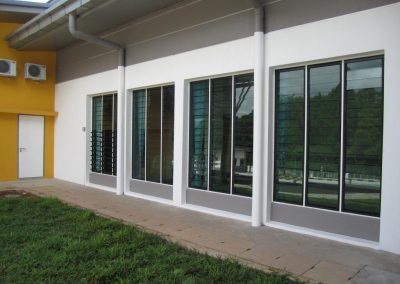 Altair Louvres with glass blades to optimise views