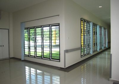 Altair Louvres provide natural light