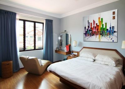Breezway_louvres_in_bedroom_ventilates_the_home