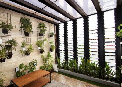 Ventilate_outdoor_rooms_with_breezway_louvres
