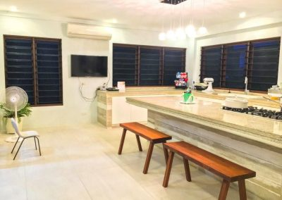 Breezway_louvres_keep_kitchen_areas_fresh_and_comfortable