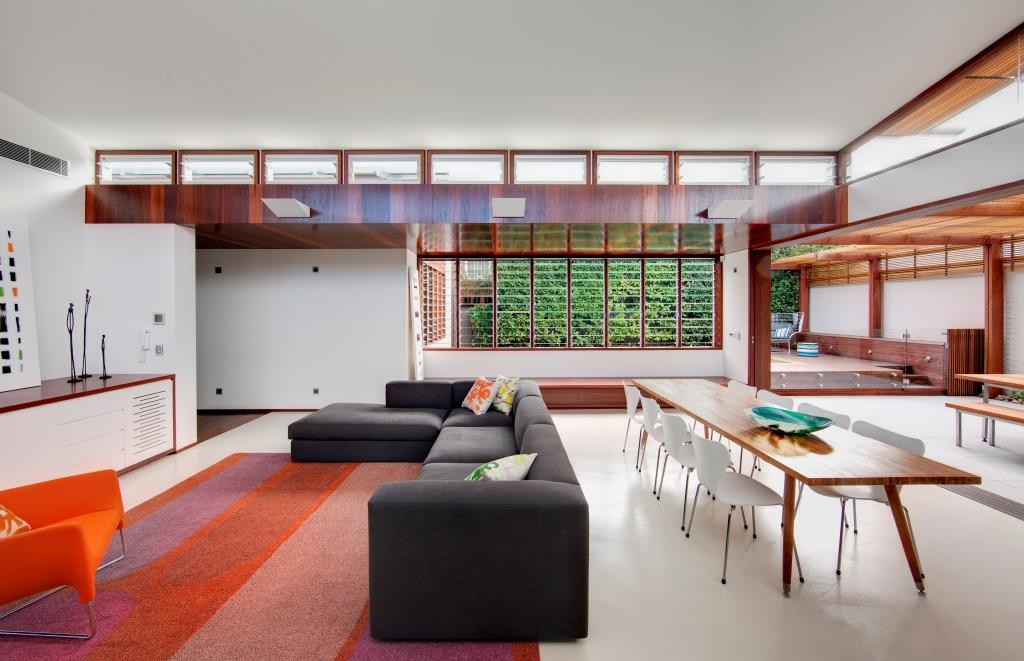 Breezway_powerlouvres_above_living_area