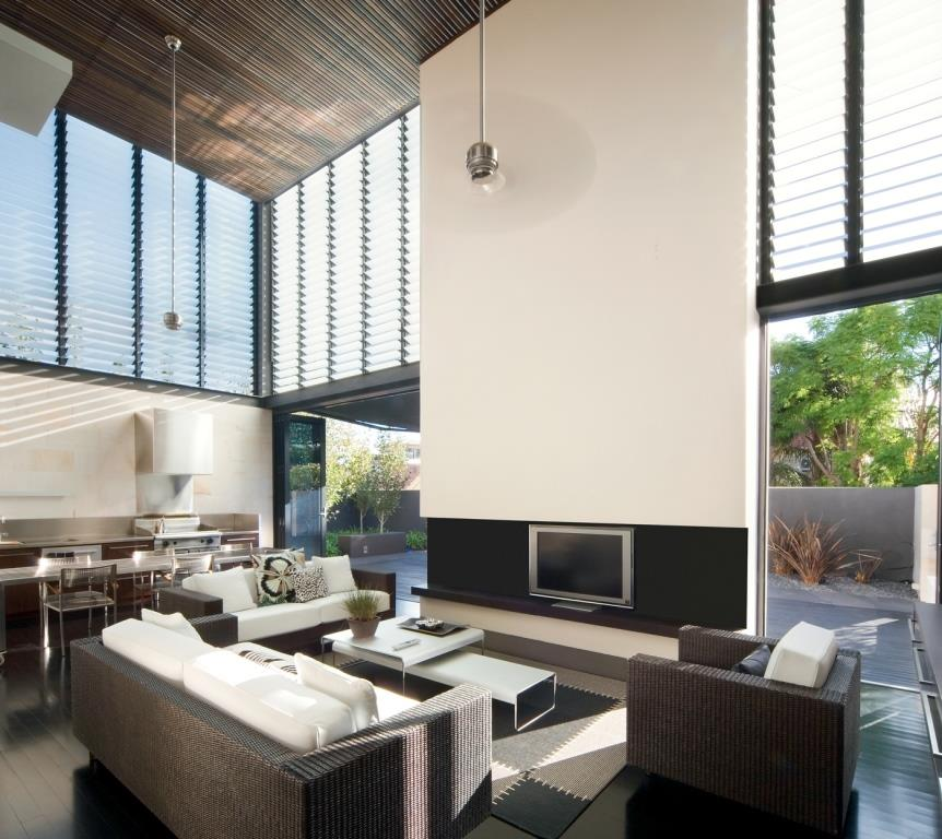 Internal_living_room_with_breezway_louvres