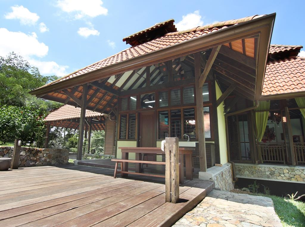 Kuang Kampung Retreat in Malaysia with Breezway Louvres
