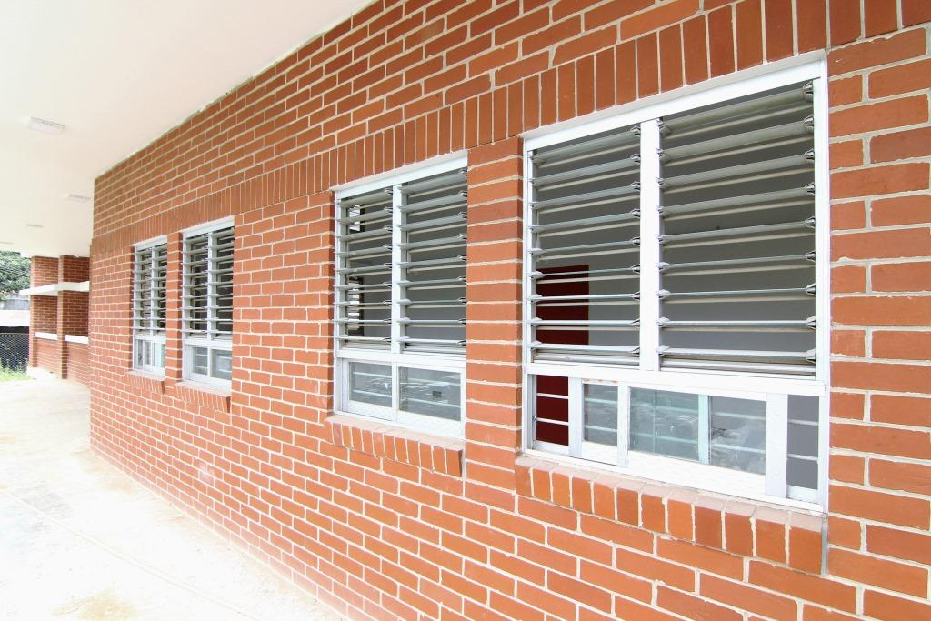Exterior of building with two bay Breezway Louvres