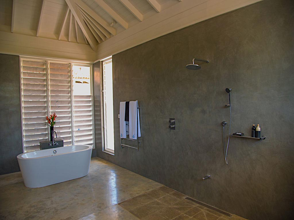 Breezway Altair Louvres in the bathroom of the Saltwater Hotel