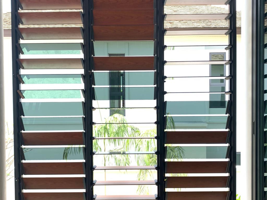 Mix and match louvre blades in your custom made Breezway Louvre application